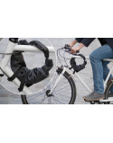 LOXI est un sac vélo d'une capacité de 4 ou 9 litres. LOXI se replie aisément et s'attache facilement au cadre de votre vélo